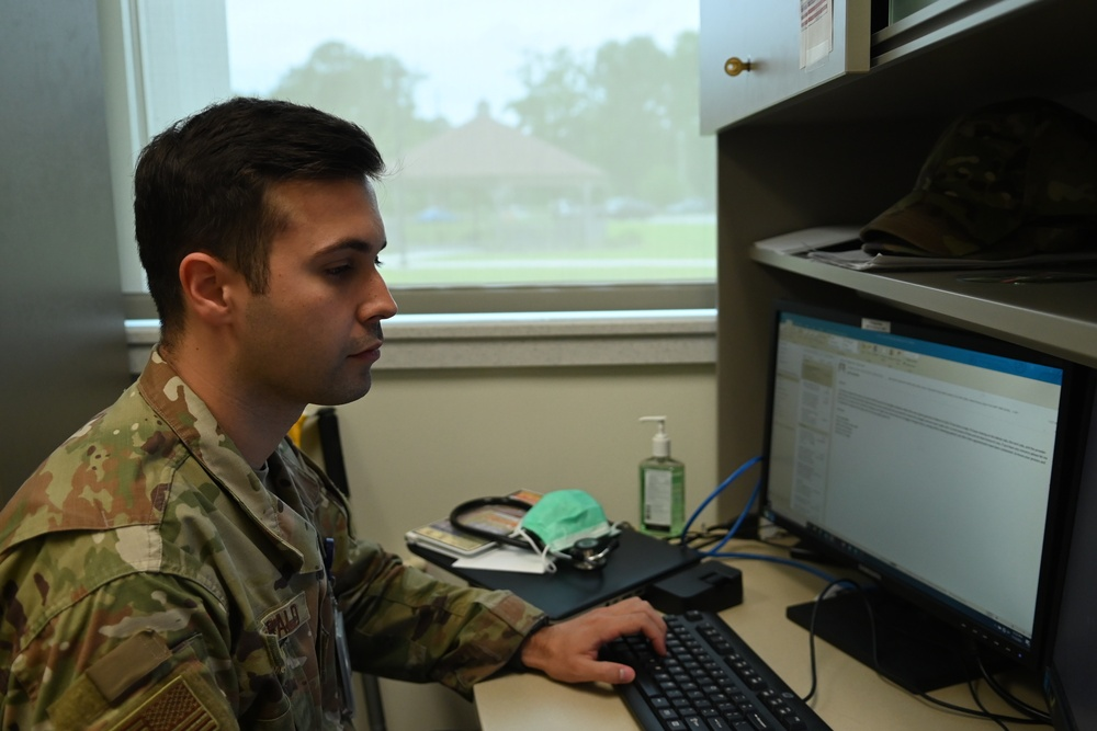 Off-duty SJAFB IDMT uses CPR to save a life