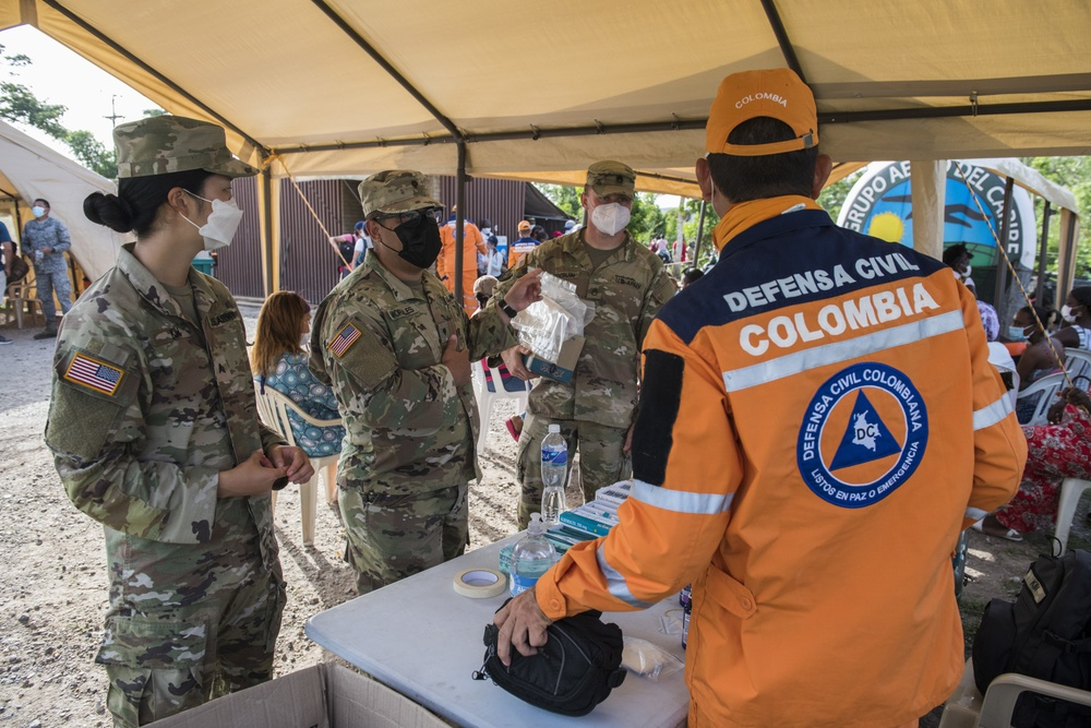 Rebuilding together: Colombia, JTF-Bravo Global Health Engagement concludes on Providencia Island