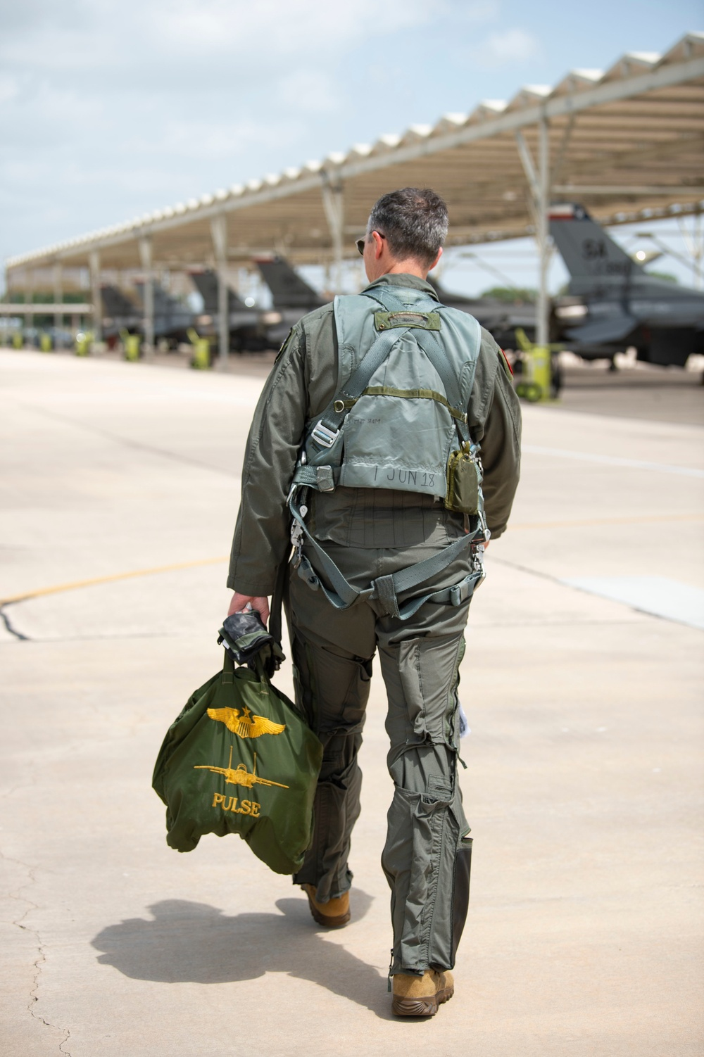 19th AF Commander takes to the skies in Texas ANG F-16
