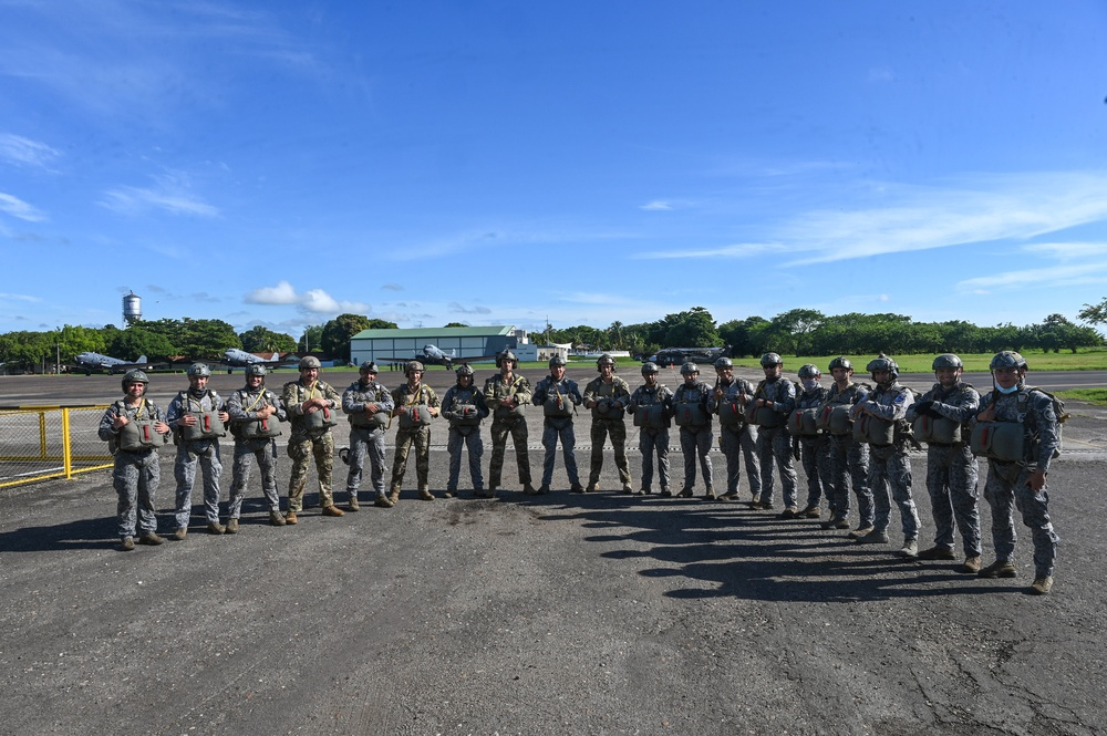 14th ASOS jumps with Colombian Special Ops