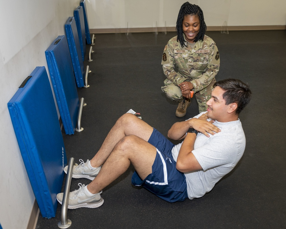 4th FSS FAC keeps Airmen fit to fight