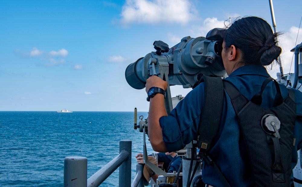 USS Shiloh Transits Strait of Hormuz