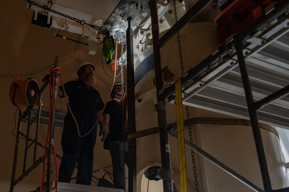 36th Operations Support Squadron teams up with contractors from Oklahoma to repair weather radar system