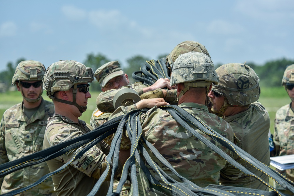 Tenn. Guardsmen partner with Texas National Guard and conduct sling load operation