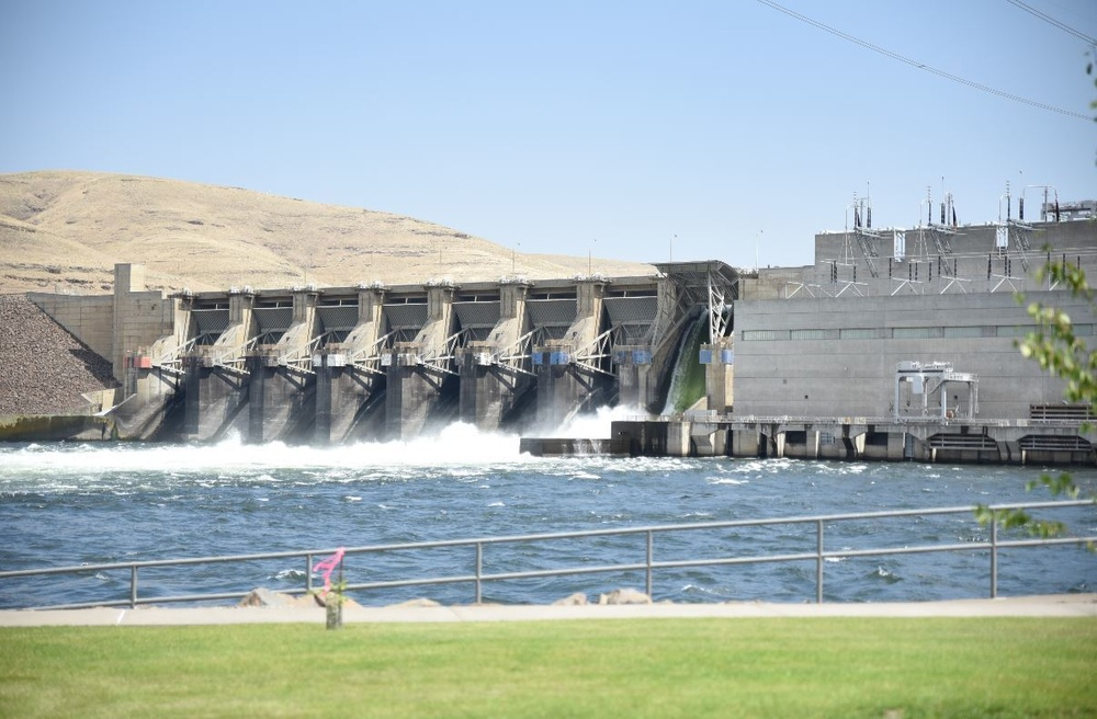 Temporary road closure for Little Goose Dam due to maintenance work
