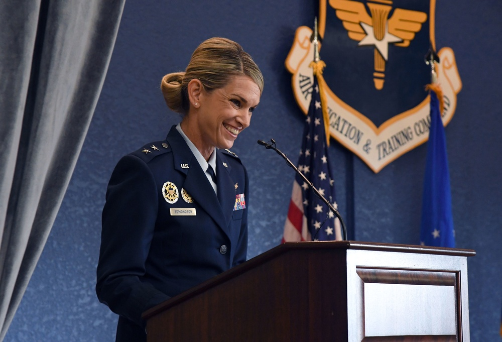 Second Air Force welcomes new commander