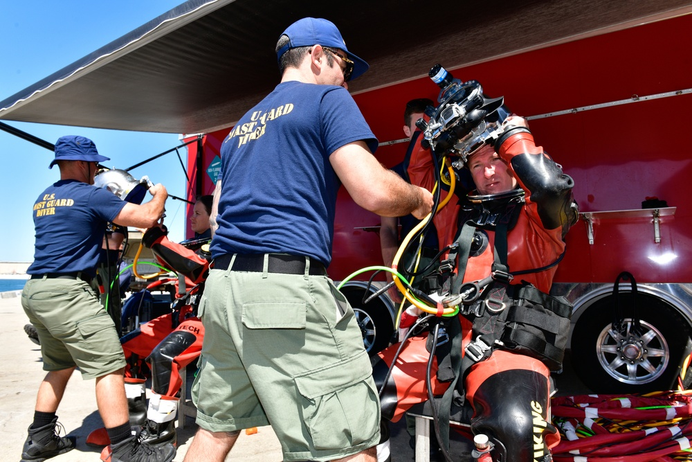 NAVFAC EXWC divers prepare for exercise as part of ANTX/CT21 event