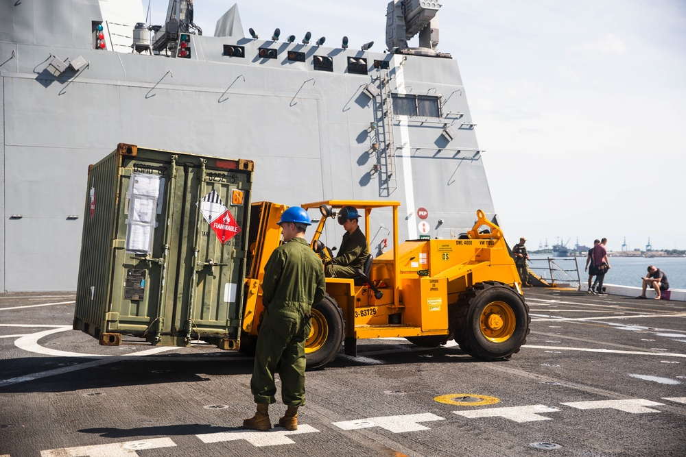 U.S. Marines Offload Equipment From the John P. Murpha (LPD 26) as Part of Exercise Freedom Banner