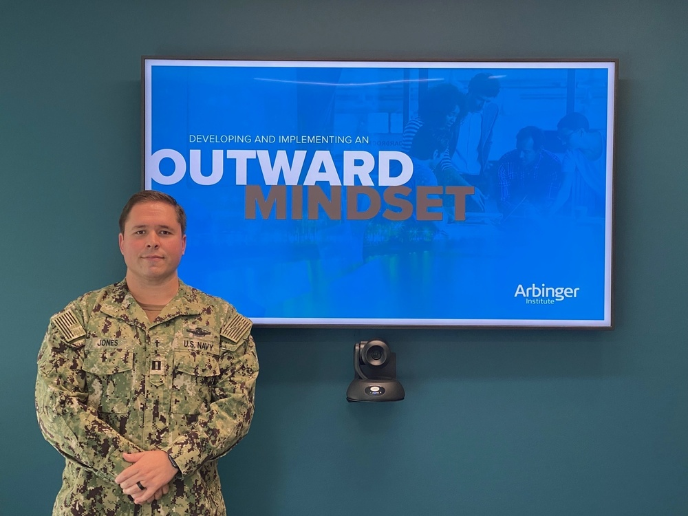 CREDO NRSW administers Developing and Implementing an Outward Mindset Course to USS Manchester (LCS 14) Blue Crew