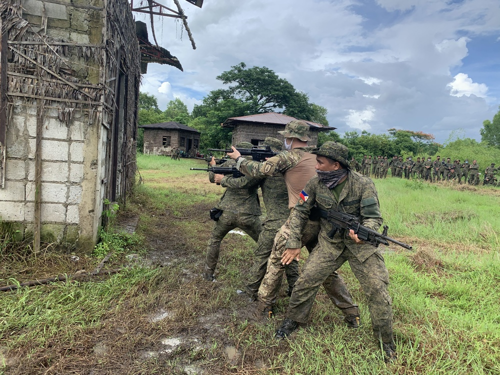 Philippine Soldiers train Urban Operations with the U.S. Army's 5th SFAB