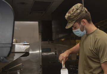 Food services Airmen maintain mission readiness