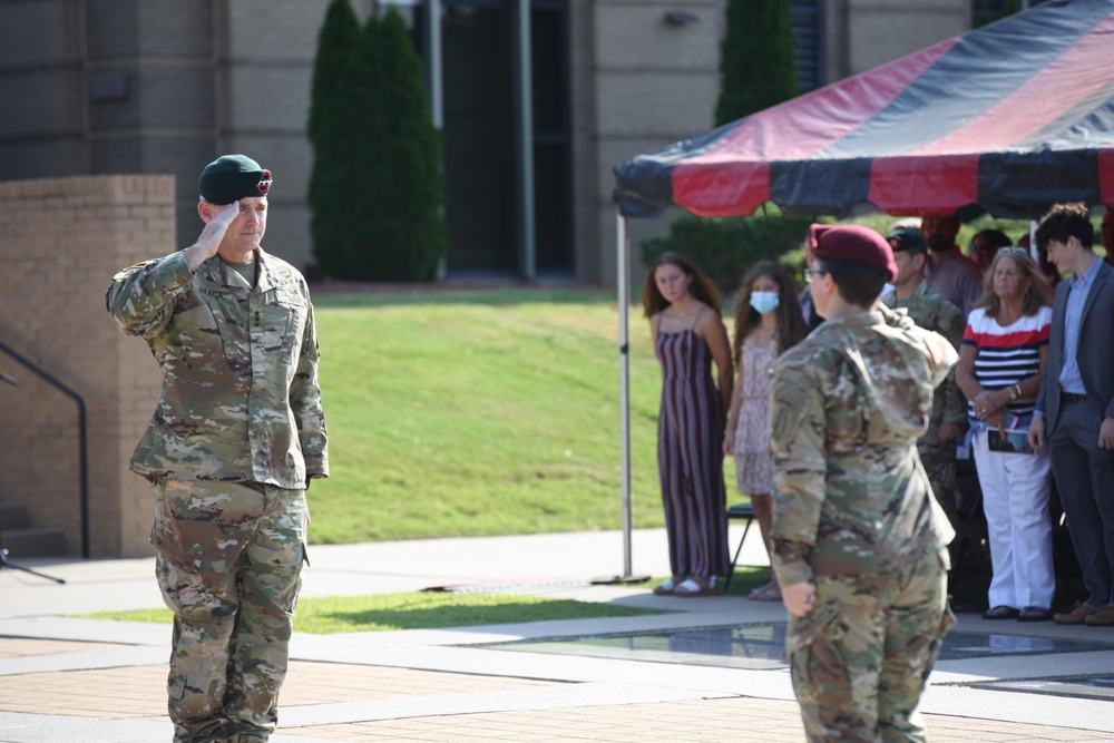 USASOC welcomes its newest command team