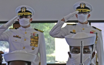 NOSC Ventura County Conducts Change of Command [Image 8 of 9]