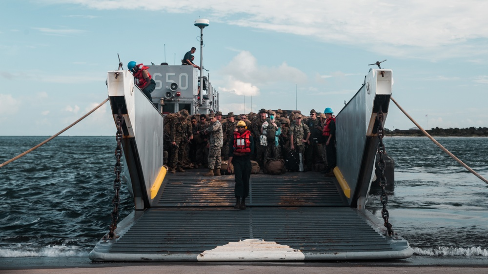 1/6 Deploys to Haiti for Humanitarian Relief