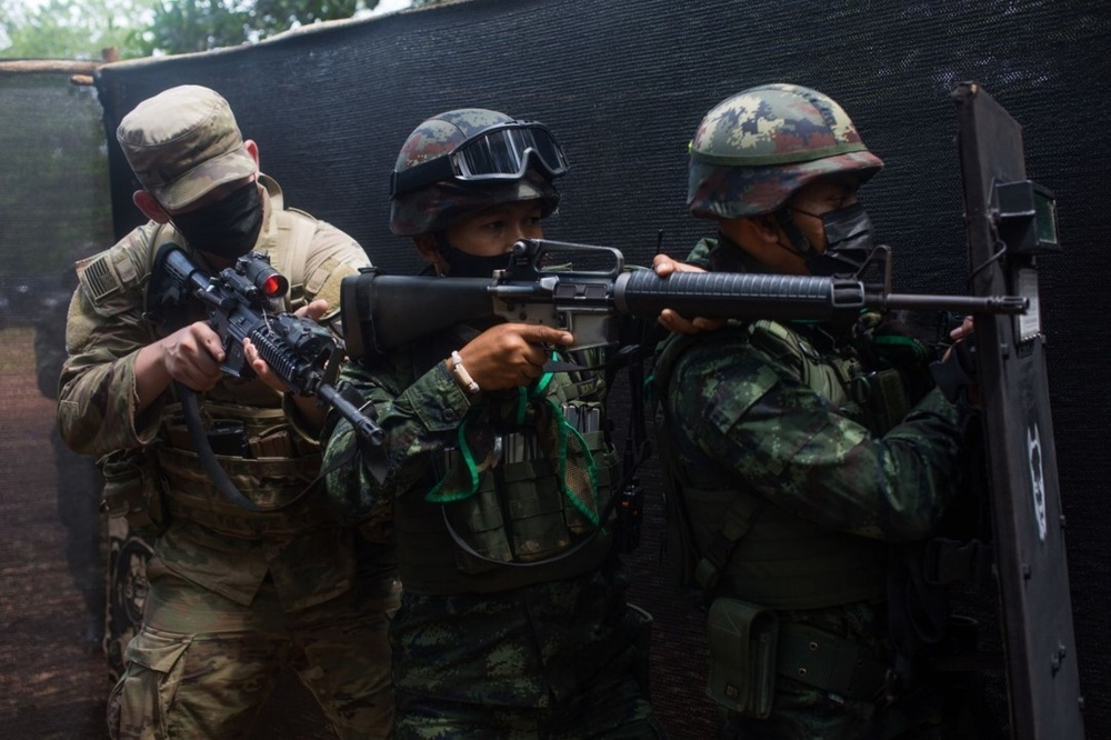Cobra Gold 21: U.S., Royal Thai infantrymen practice close quarters combat
