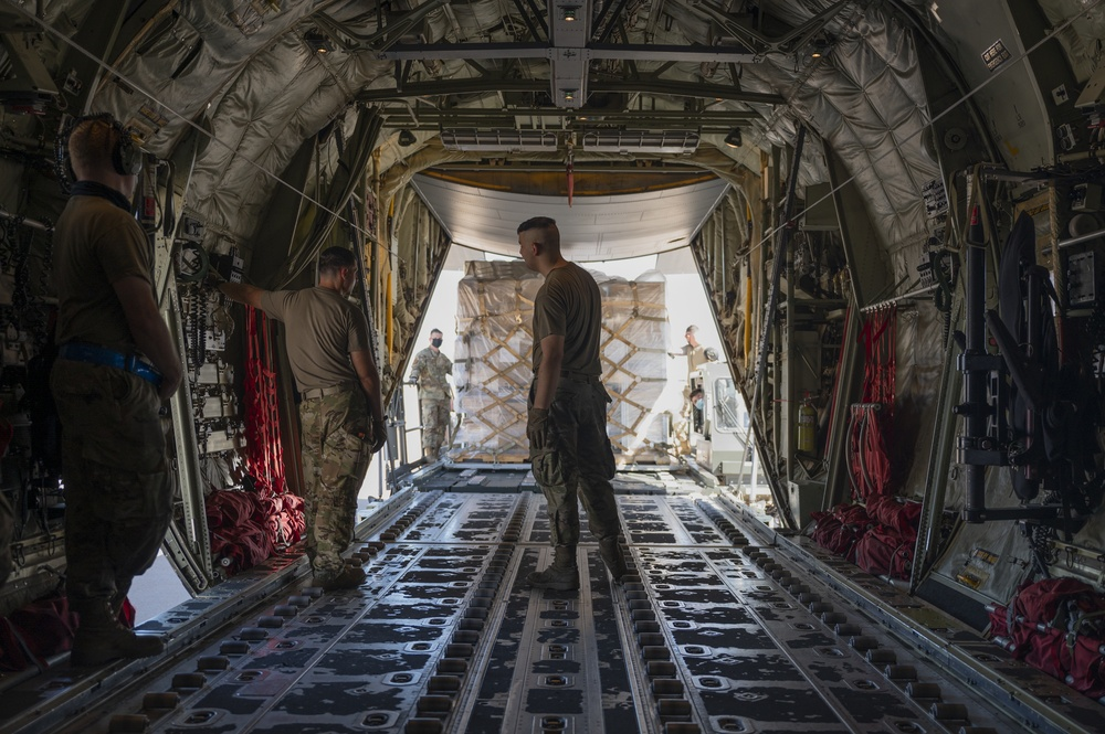 Dyess Airmen deliver cargo to those in need