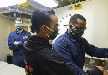 USS John P. Murtha (LPD 26) Aft BDS Training