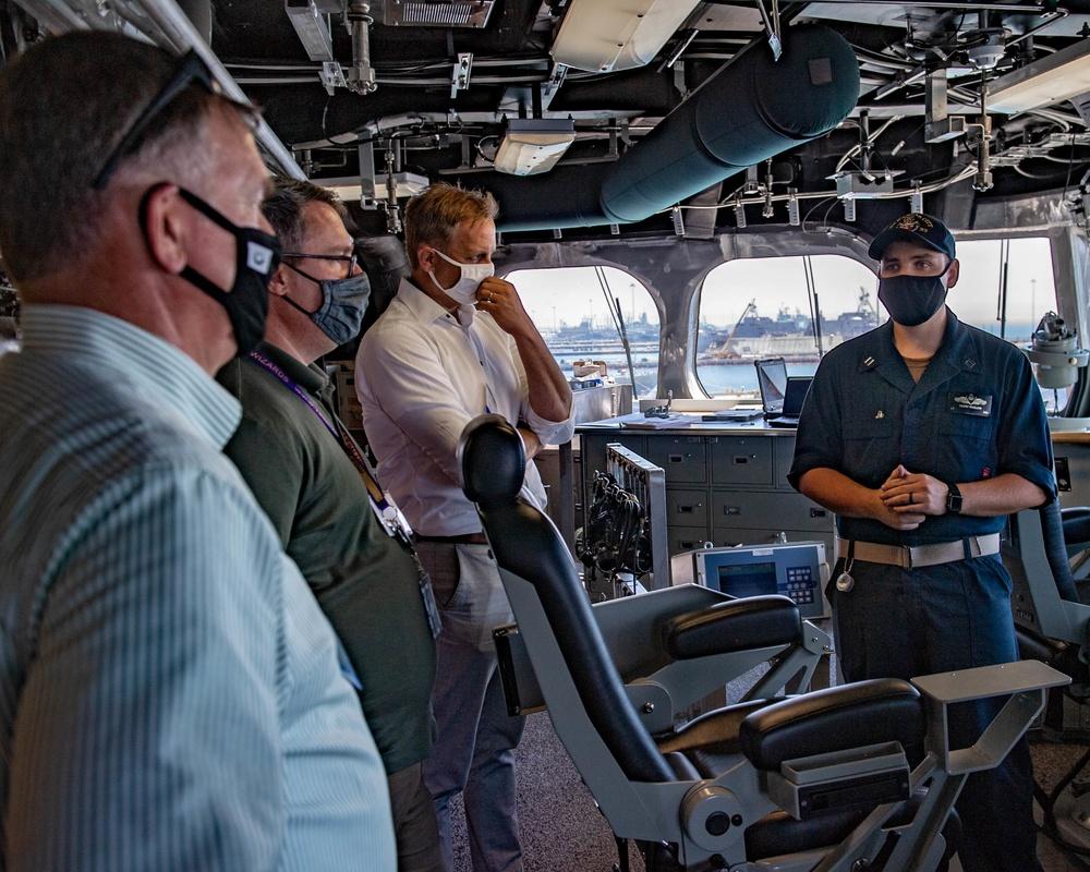 USS Kansas City (LCS 22) Hosts Tours During SNA