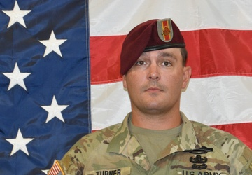 U.S. Army EOD technician coordinates training for large scale combat operations