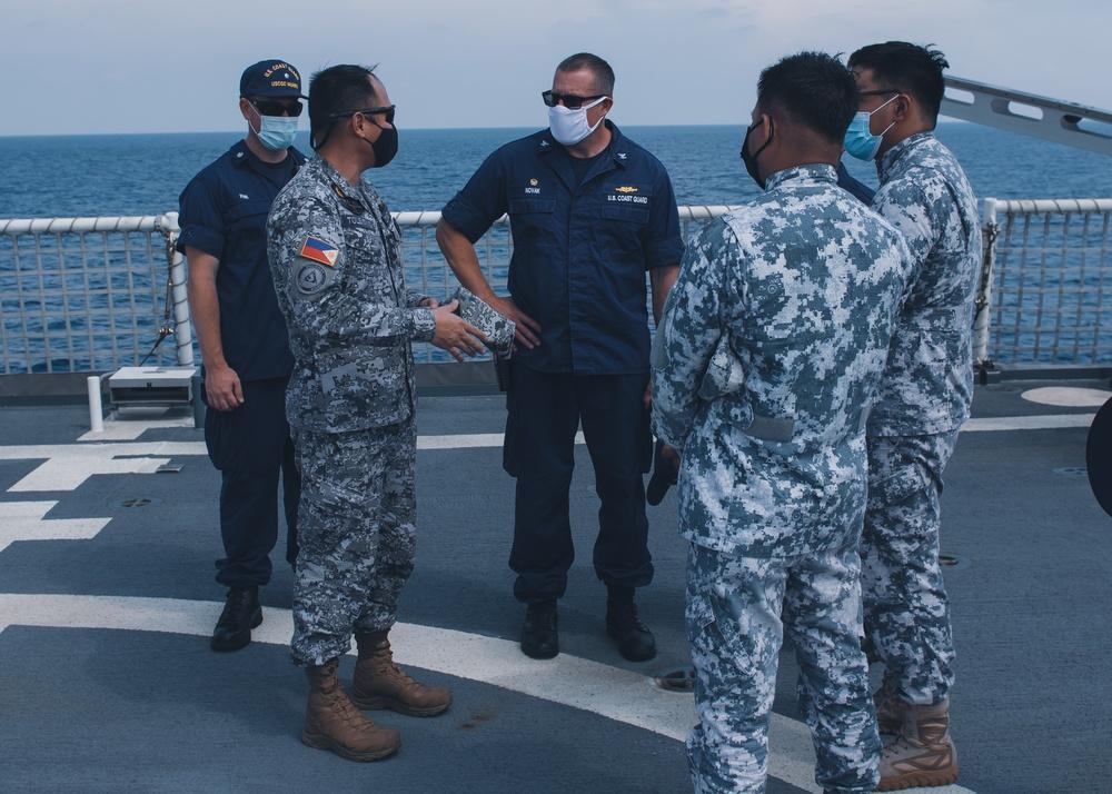 U.S. Coast Guard trains with Philippine maritime agencies