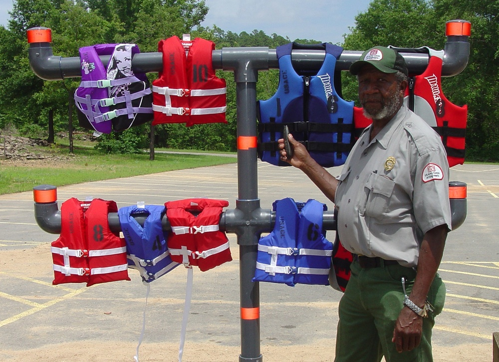 Corps of Engineers urges water safety during Labor Day weekend