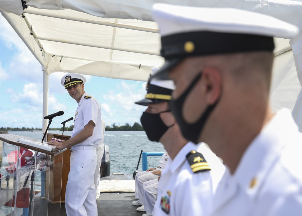 USS Oklahoma City Conducts Change of Command Ceremony