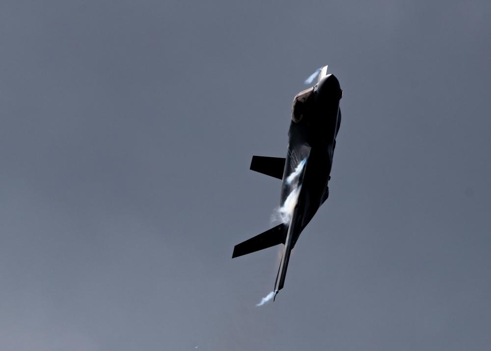 F-35A flies for the 2021 Toronto Air Show