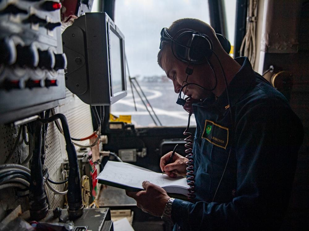 USS O'Kane (DDG 77) Conducts Flight Operations