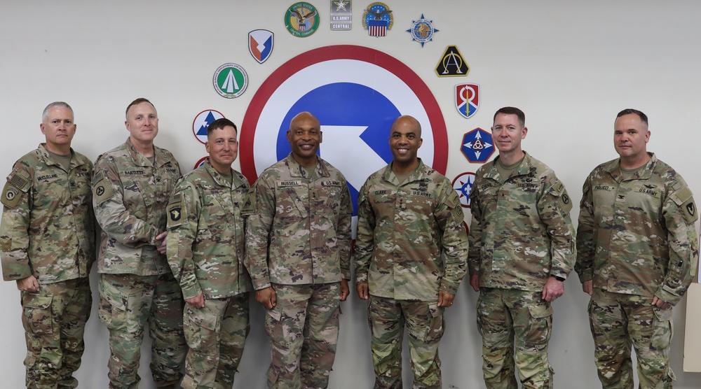 ARCENT commanding general visits 1st TSC operational command post