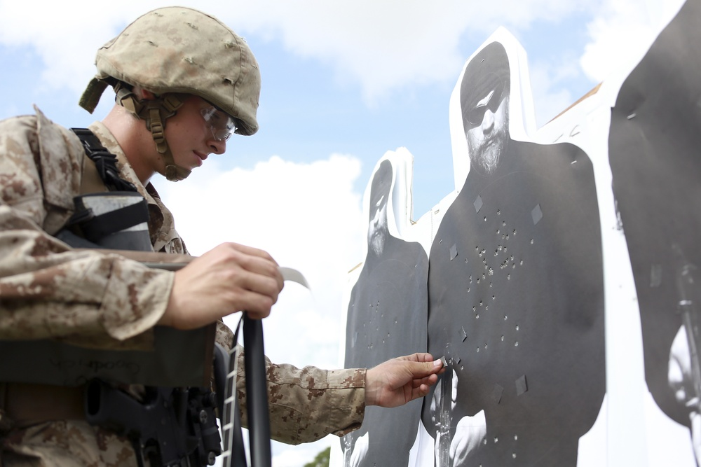 RS Lansing Recruit completes marksmanship training at Parris Island