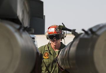 WTI 1-22: F/A 18 Hornet Ordnance Familiarization