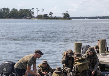 2d Recon, 1/2 Small Boats Training