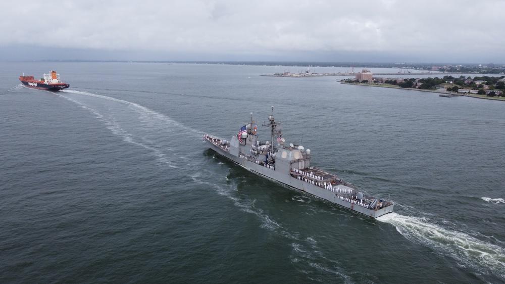 USS Monterey (CG 61) and USS Mitscher (DDG 57) Return to Naval Station Norfolk