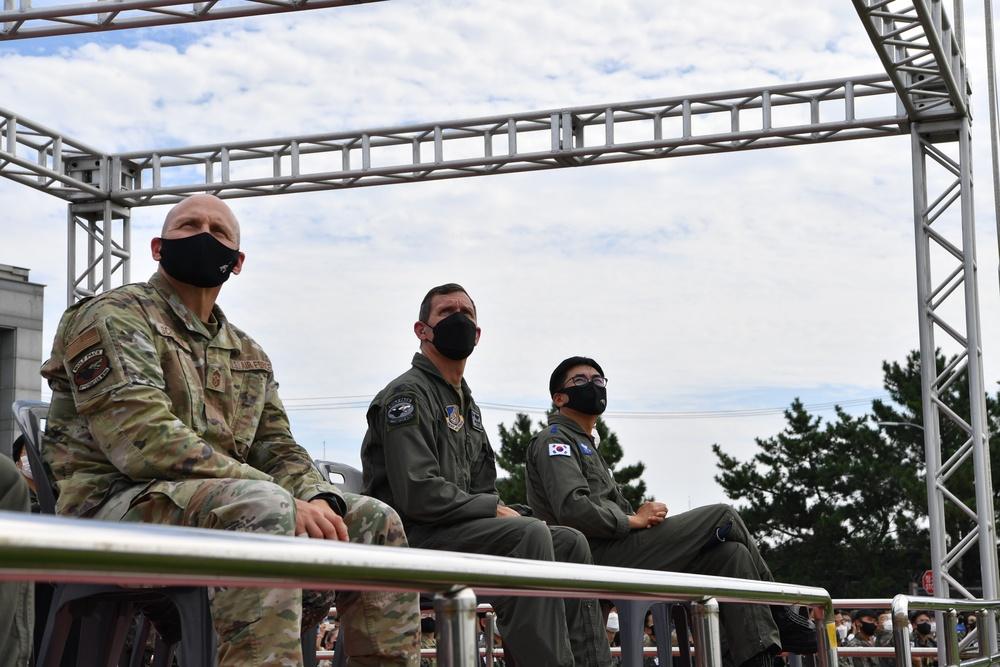 Up-Up and Away: ROKAF Black Eagles Blare Through Kunsan Skies
