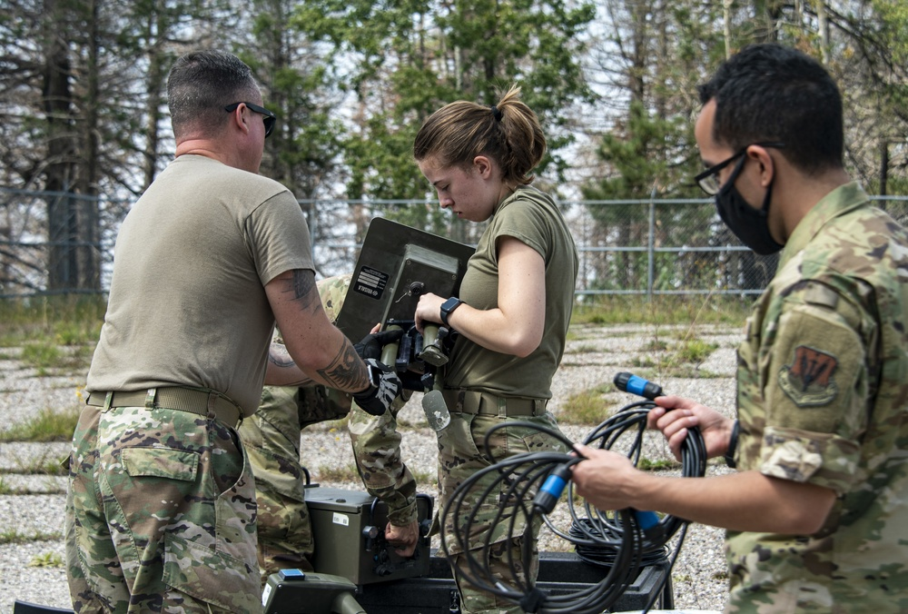 355th Operations Support Squadron visits Mt Lemmon
