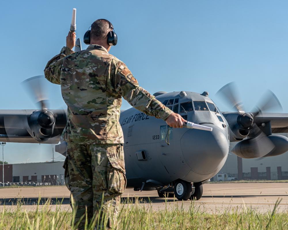 Last C-130H departs Kentucky Air Guard