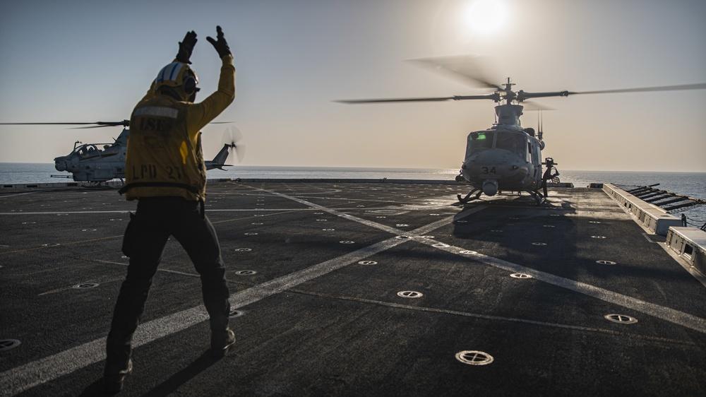 VMM-165 (Rein.) flight ops aboard USS Portland