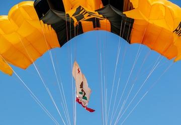 Huntington Beach native jumps at Pacific Airshow