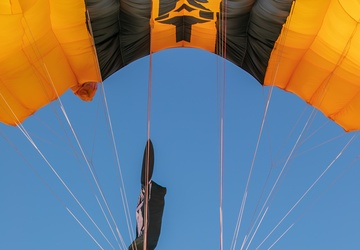 U.S. Army Parachute Team jumps at Great Pacific Airshow
