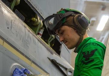 USS Carl Vinson (CVN 70) Sailors Conduct Aircraft Maintenance