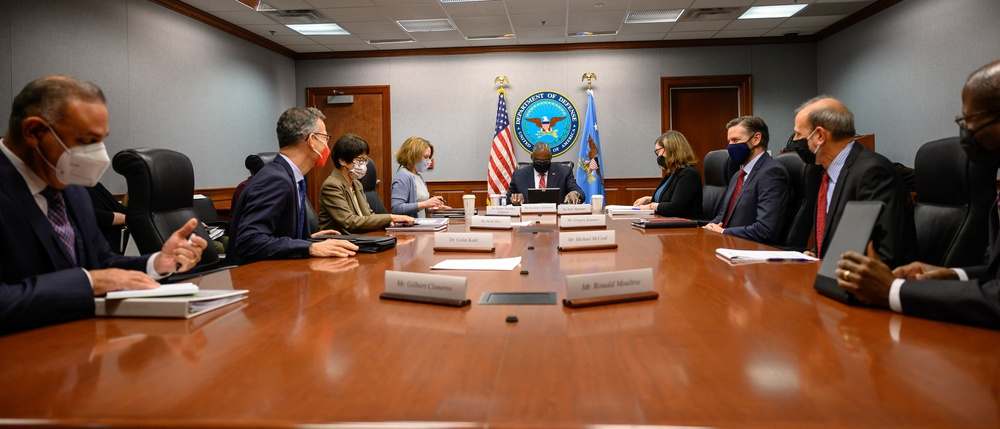 Top DoD leaders participate in Ethics training