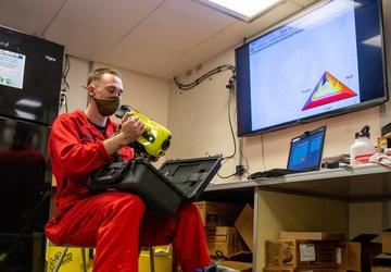USS Charleston Sailors Conduct Fire Fighting Training