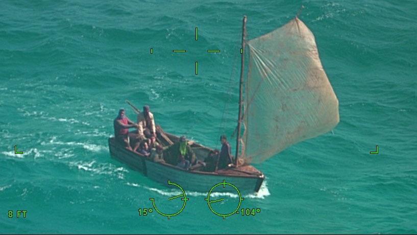 Coast Guard rescues 10 Cubans
