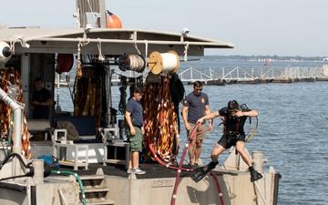 MARMC Divers Repair USS New Hampshire Vent Valves