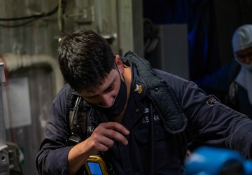 USS Jackson (LCS 6) Sailor Participates in an Integrated Training Team (ITT) Drill